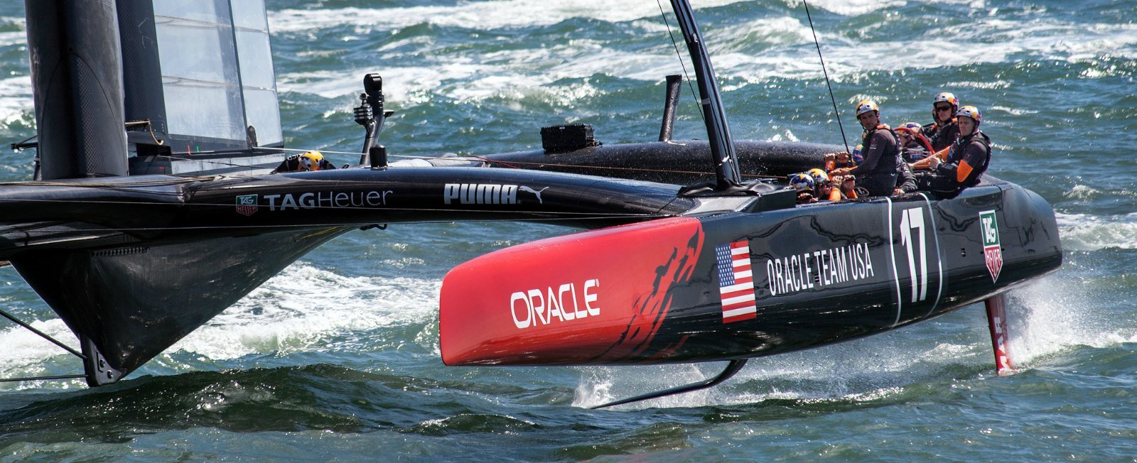 America's Team Oracle Snatch the Cup